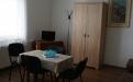 Štvorlôžková izba rohová  s výhľadom na dvor s TV a chladničkou,č.56